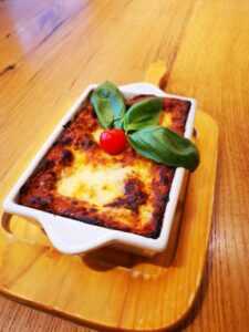 Edelweiss-Pizzeria-Restaurant-Lasagne