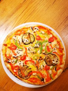 Edelweiss-Pizzeria-Restaurant-Pizza-Vegi