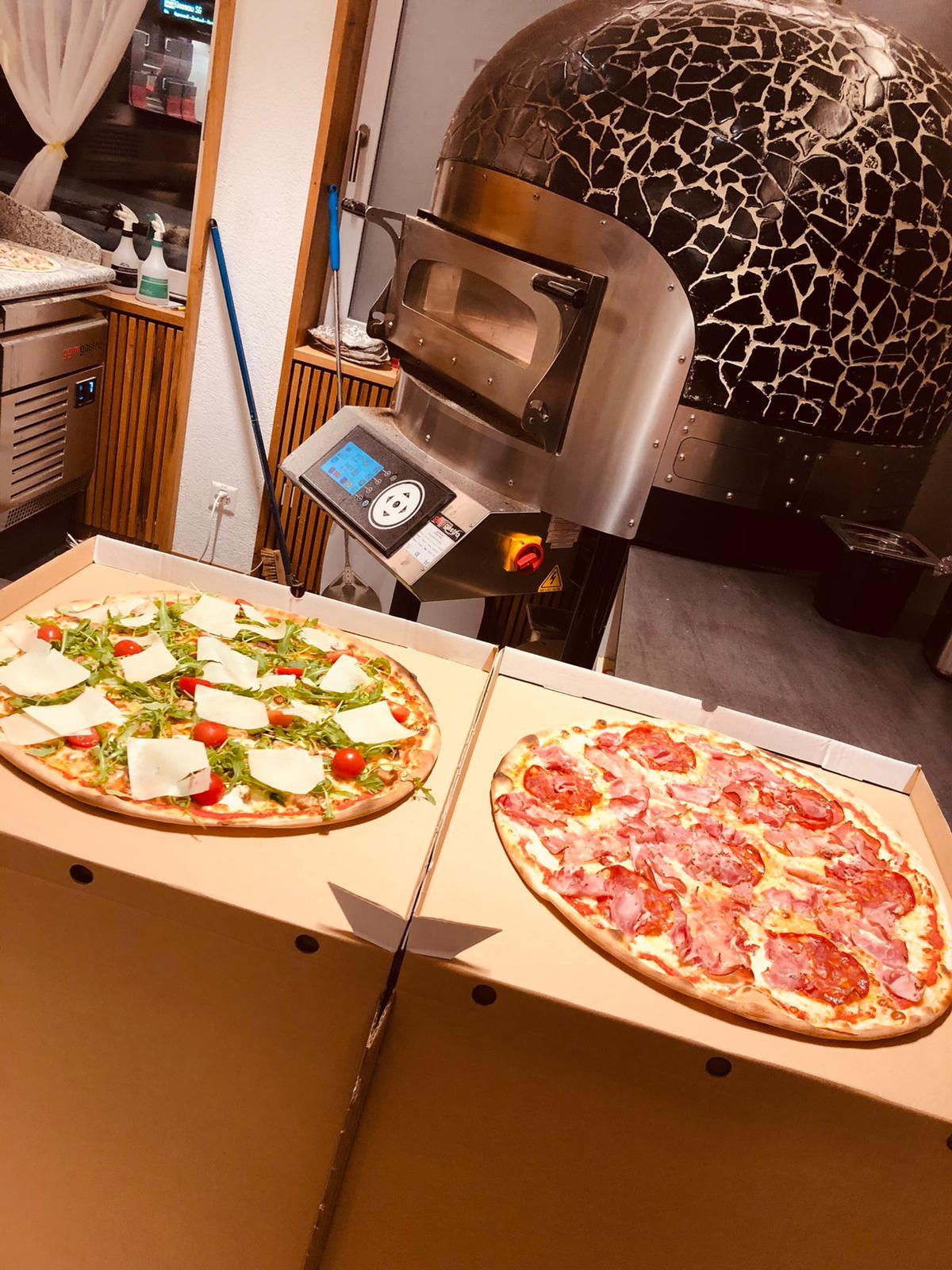 Edelweiss-Pizzeria-Restaurant-Schwende-Pizza-7