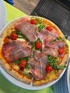 Edelweiss-Pizzeria-Restaurant-Pizza-Parma